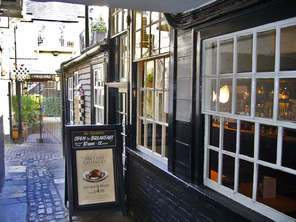 17. The Chequers - High Street