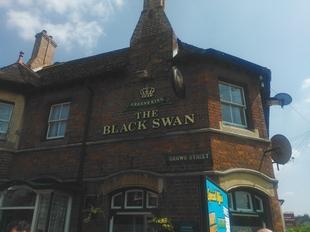 9♣ - The Black Swan